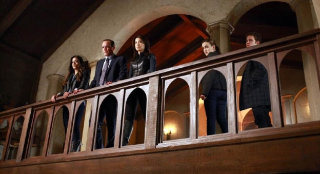 "MARVEL'S AGENTS OF S.H.I.E.L.D. - ""The Well""- In the aftermath of the events chronicled in the feature film THOR: THE DARK WORLD, Coulson and The Agents of S.H.I.E.L.D. pick up the pieces -- one of which threatens to destroy a member of the team, on TUESDAY, NOVEMBER 19 (8:00-9:01 p.m., ET) on the ABC Television Network. (ABC/Ron Tom) CHLOE BENNET, CLARK GREGG, MING-NA WEN, ELIZABETH HENSTRIDGE, IAIN DE CAESTECKER"